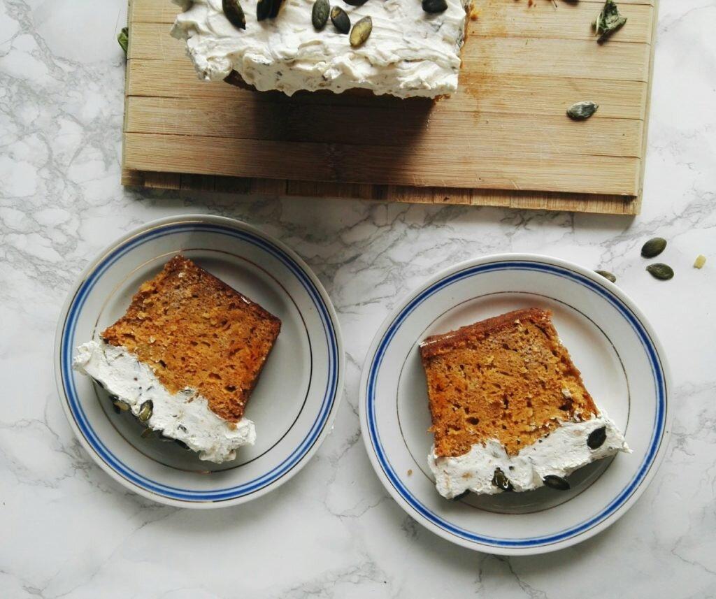 Ciasto dyniowe z kremem mascarpone i praliną dyniową 6
