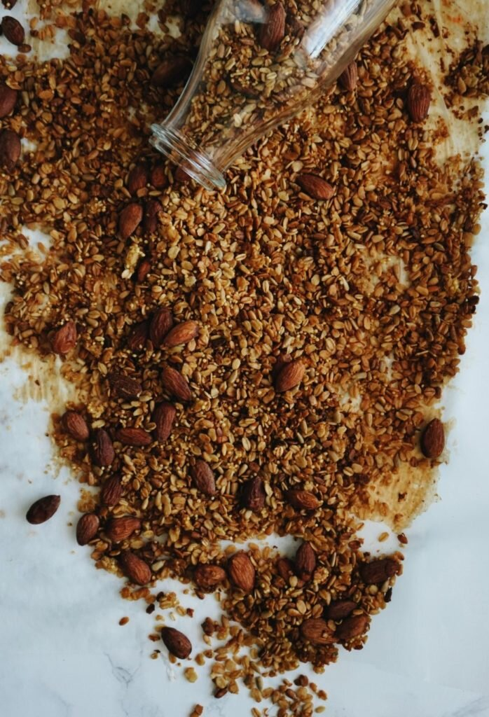 Odżywcza pomarańczowa granola z kaszą jaglaną, quinoa i migdałami 5