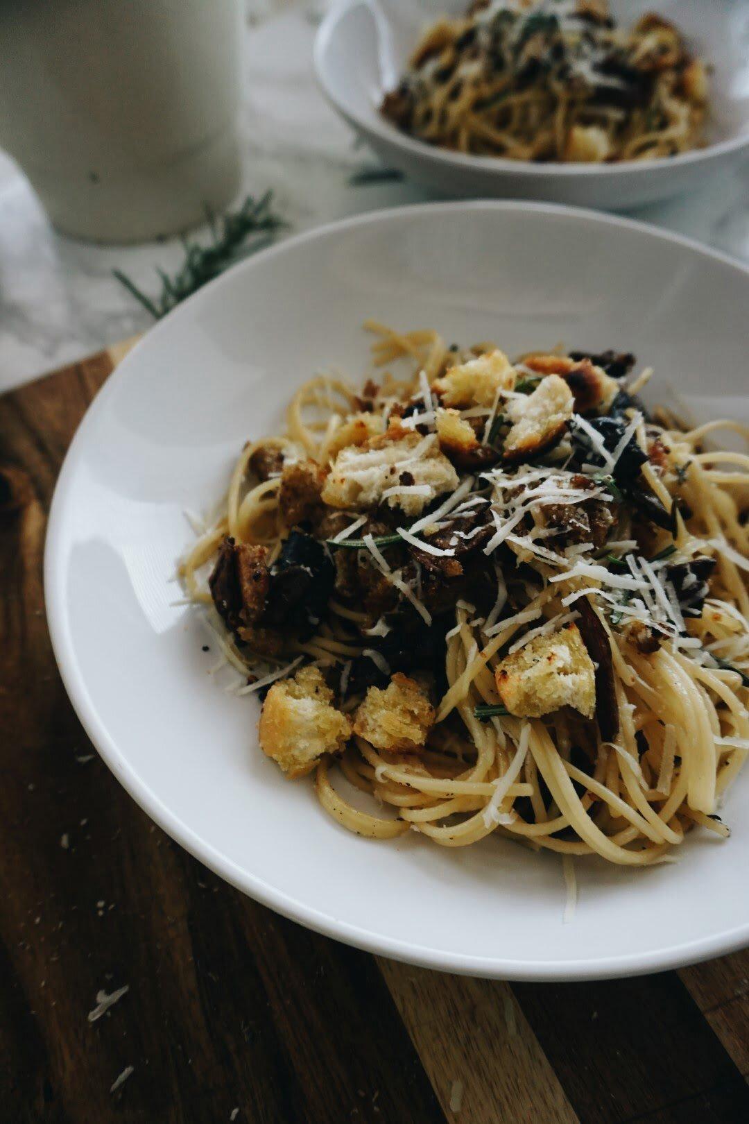 Makaron z borowikami, pecorino i grzankami 66