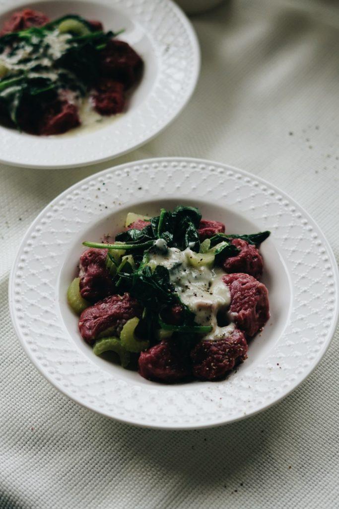 Gnocchi buraczane z sosem gorgonzolowym 8