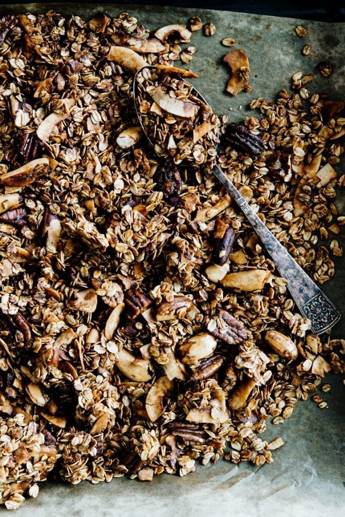 Niesamowicie chrupiąca granola kokosowa 4