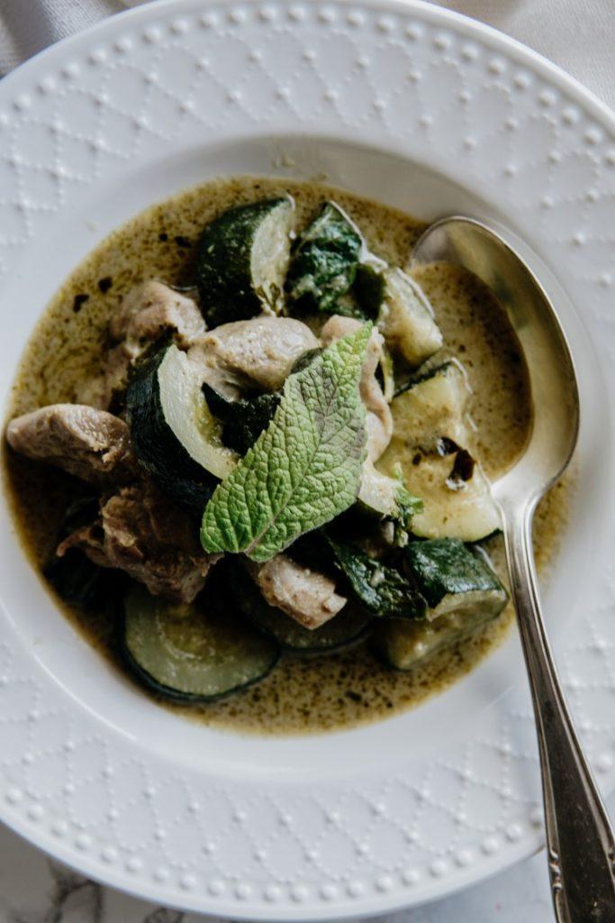 Tajskie zielone curry z indykiem i cukinią 5