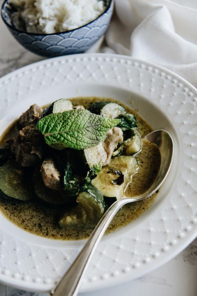 Tajskie zielone curry z indykiem i cukinią 6