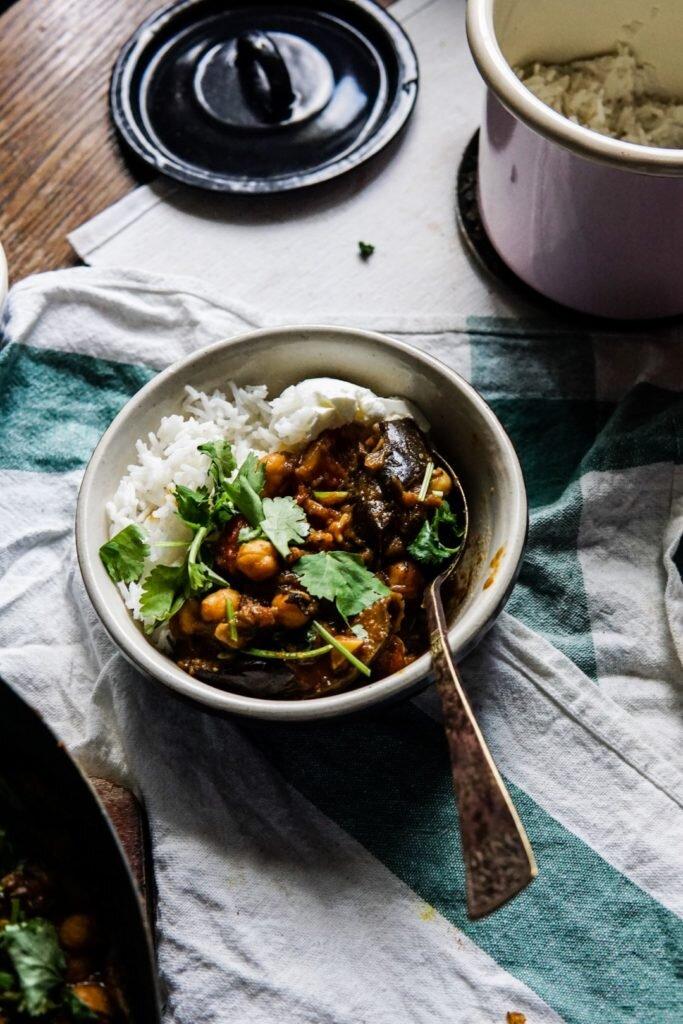 Curry z bakłażanem i ciecierzycą 9