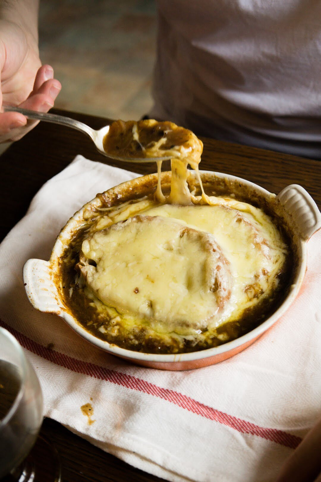 Francuska zupa cebulowa 10