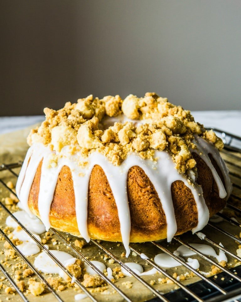 Polish Easter Yeasted Baba with Lemony Glaze and Buttery Streusel 1
