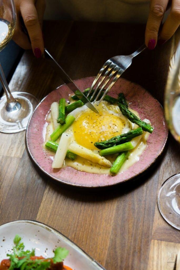 Superiore Wine Bar – dobre tapasy i wino na Pięknej 3