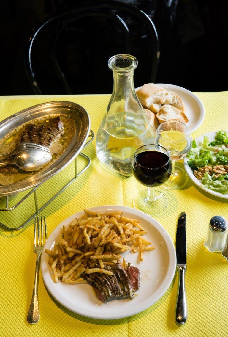 L'Entrecôte i wciąż nierozwiązana kulinarna zagadka 3