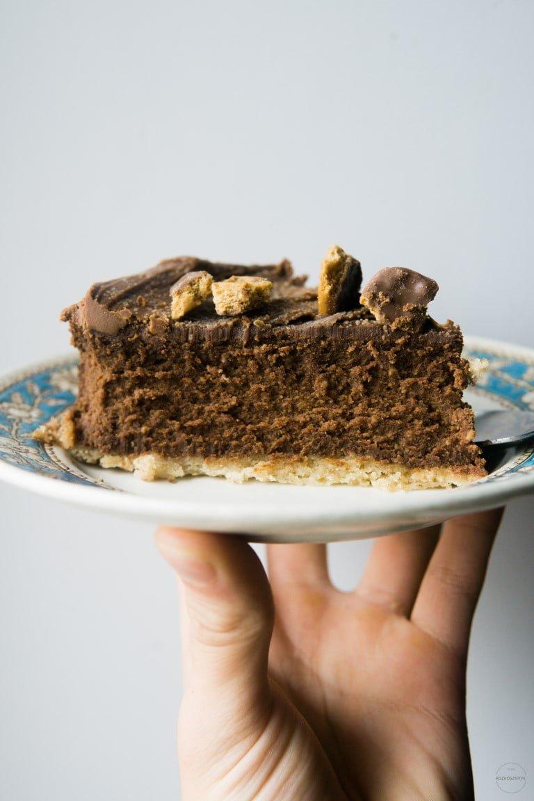 Sernik czekoladowy na korzennym spodzie 2