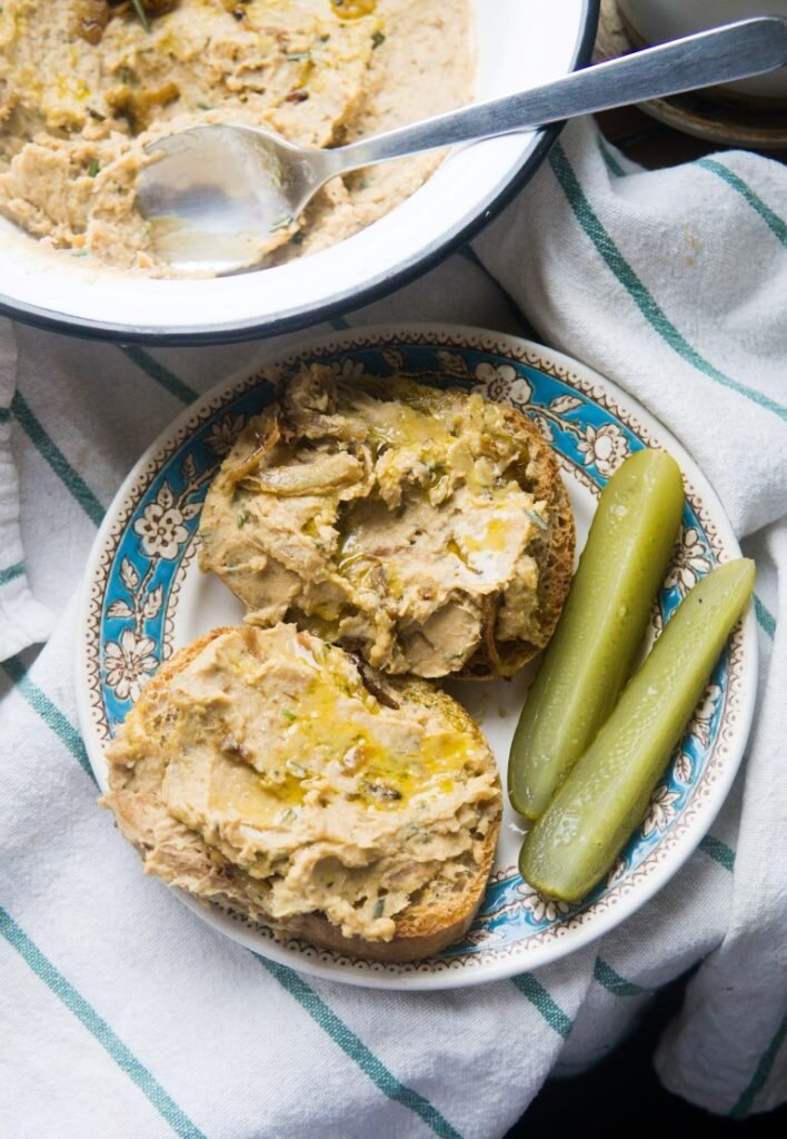 White Bean Spread with Caramelized Onion 2
