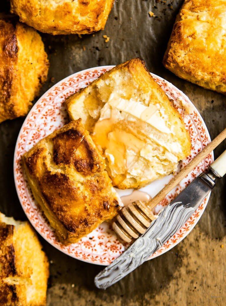 Biscuits - kruche maślane bułeczki na maślance 4