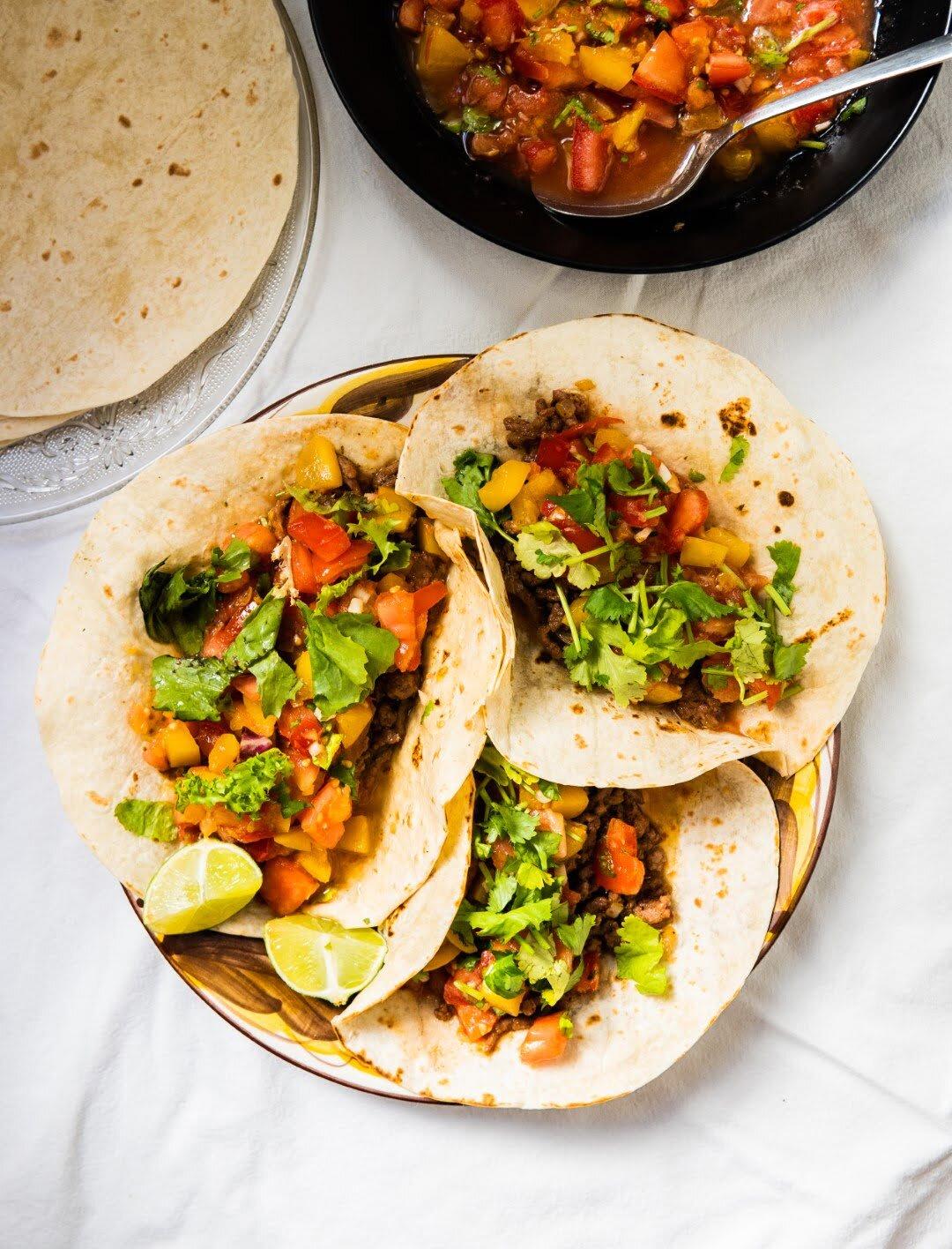 Tacos z wołowiną i salsą pomidorowo-śliwkową 3