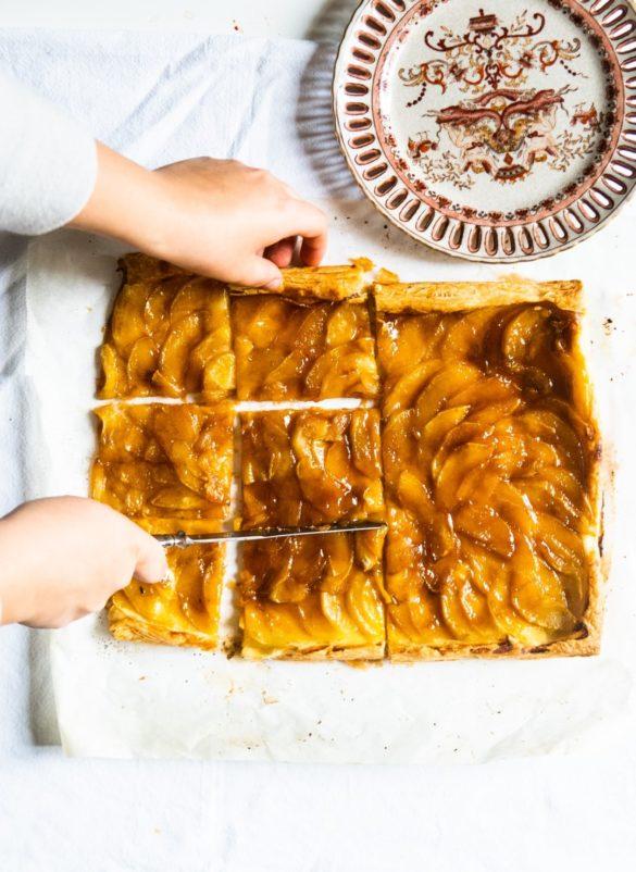 Francuska tarta z jabłkami i solonym karmelem 2