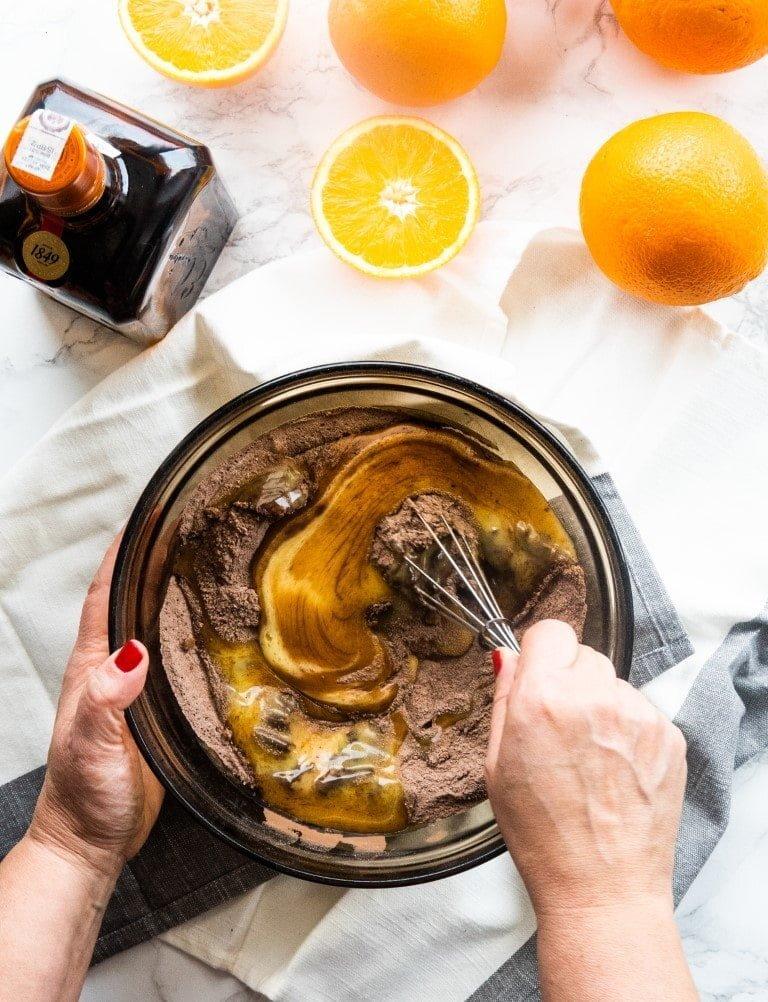 Ciasto czekoladowe z likierem pomarańczowym Cointreau: proste i zachwycające 3
