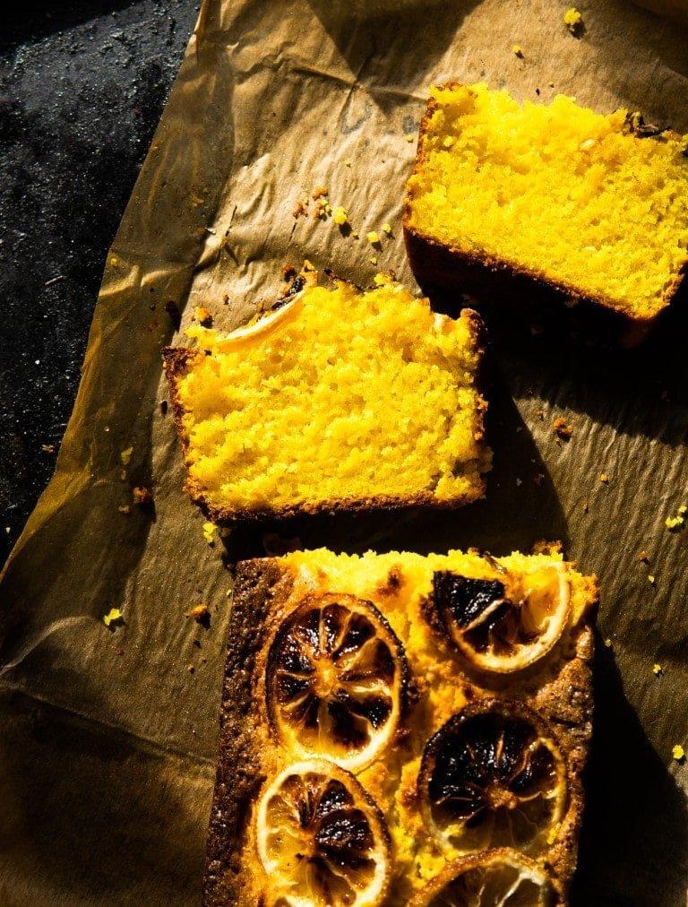 Kurkumowe ciasto z karmelizowanymi cytrynami 2
